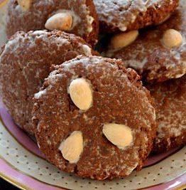Lebkuchen - tyske pepperkaker med nøtter og sukat
