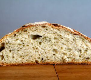 Eltefritt brød med basilikum