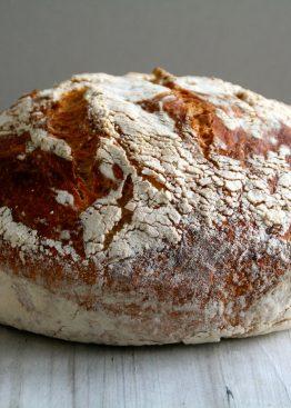 Eltefritt brød med cheddar og salvie
