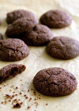 Sjokoladecookies med chilli og kanel