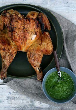 Helgrillet kylling med rucculapesto