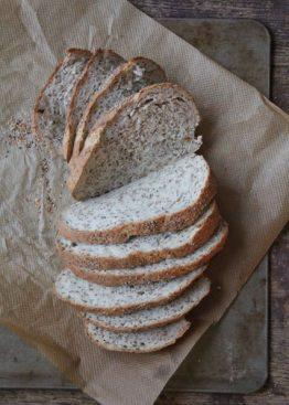 Brød med ristet sesamfrø