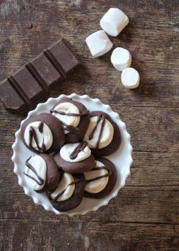 Sjokoladecokies med marshmallow top