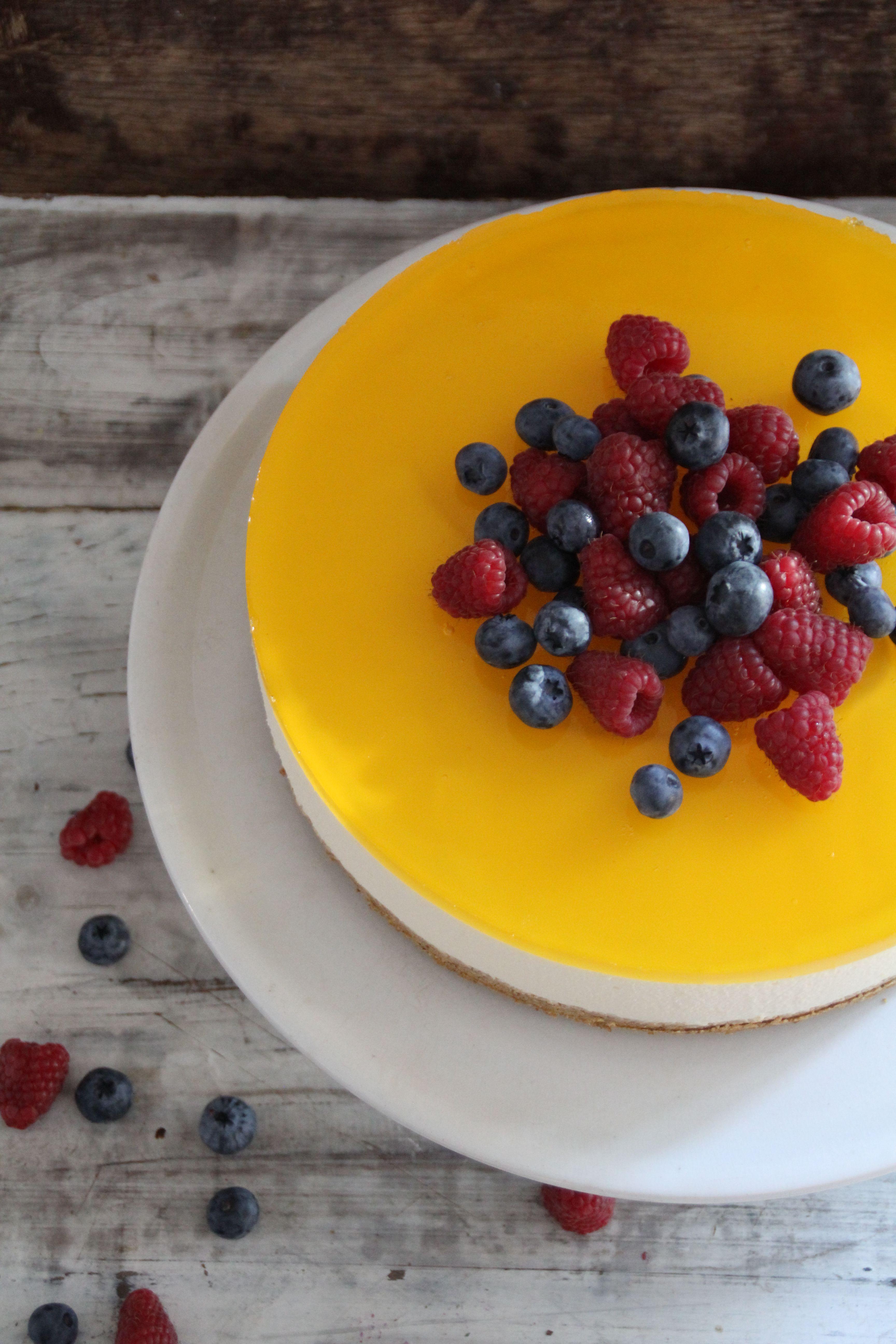 Ostekake med sitron og gelélokk - helt uten steking