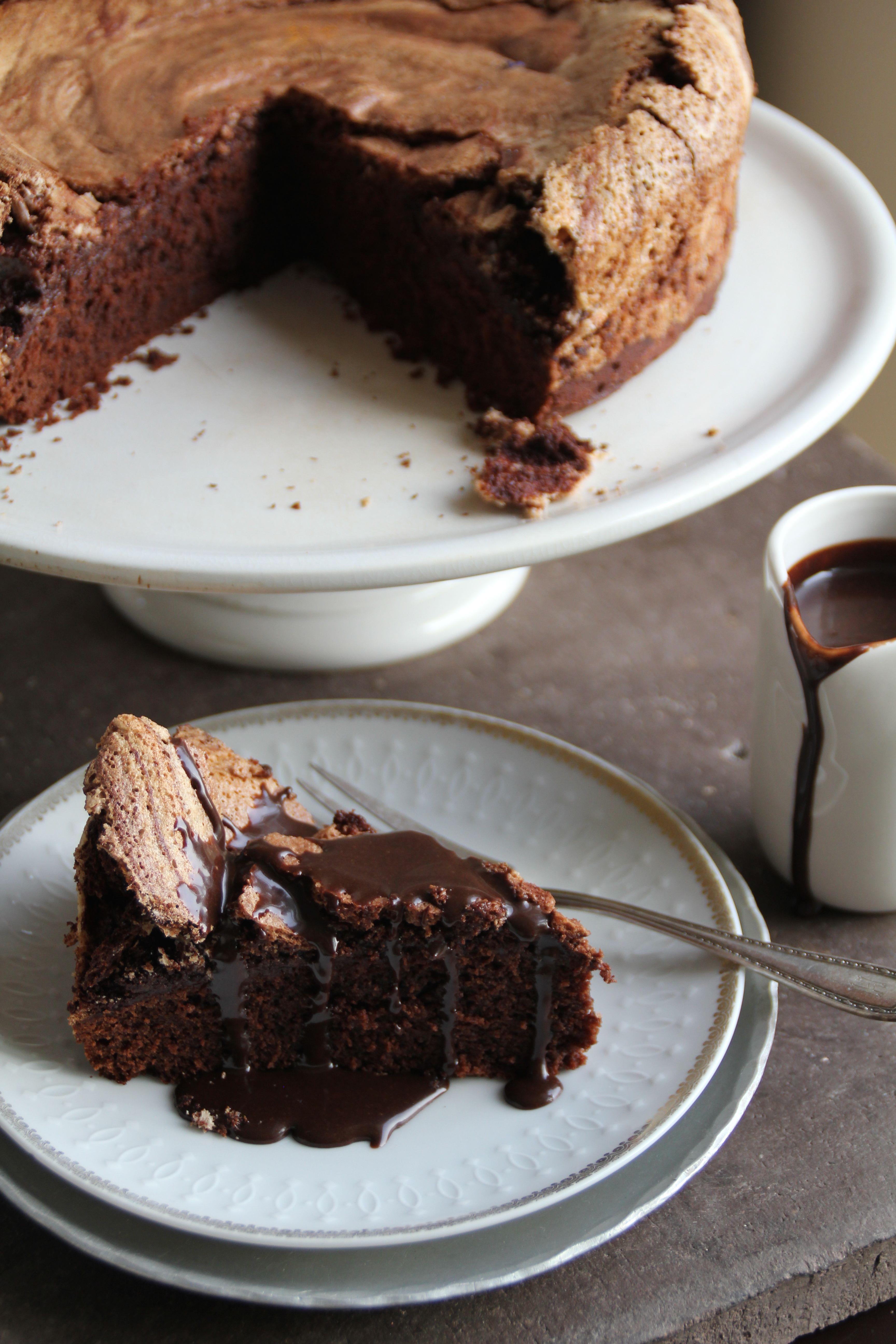Sjokoladekake med marengslokk