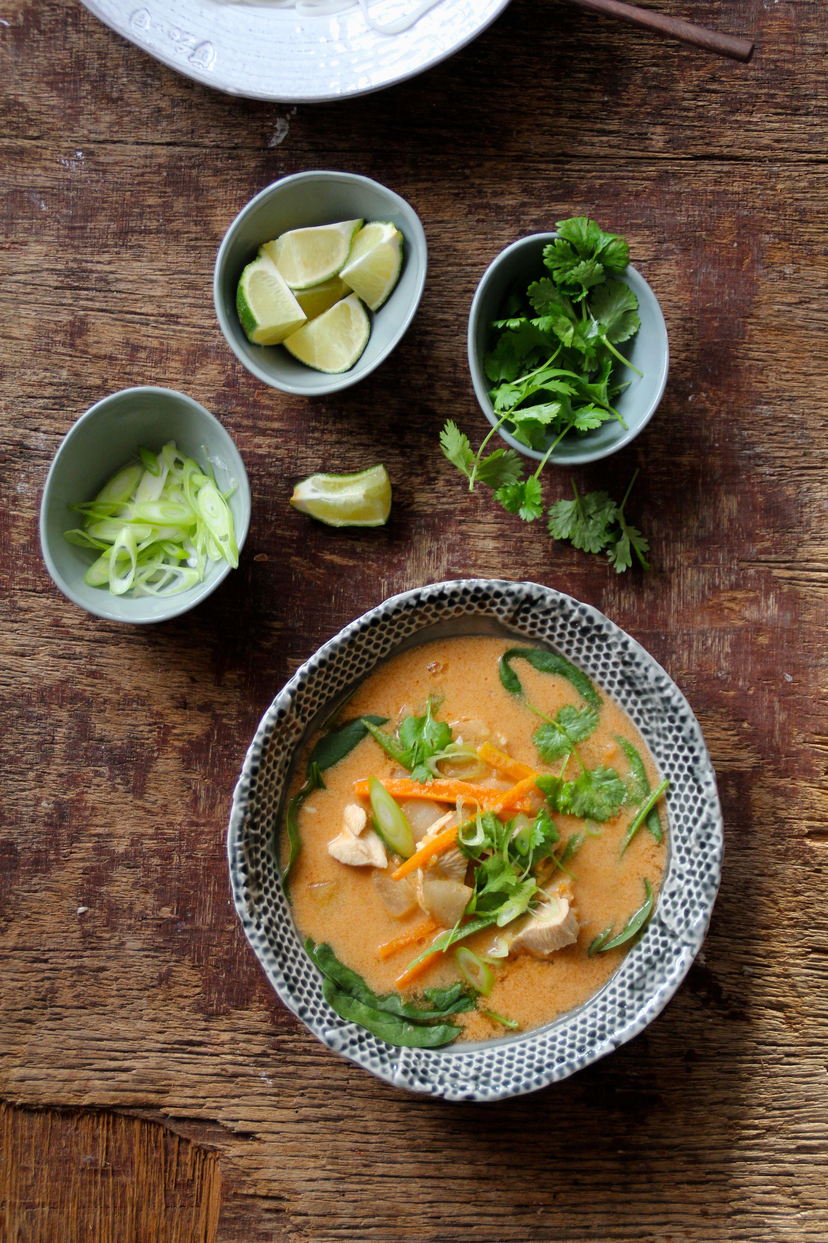 Thai kyllingsuppe med nudler