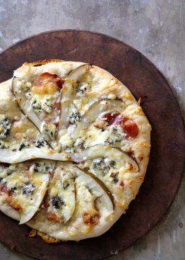 Pizza med blåmuggost