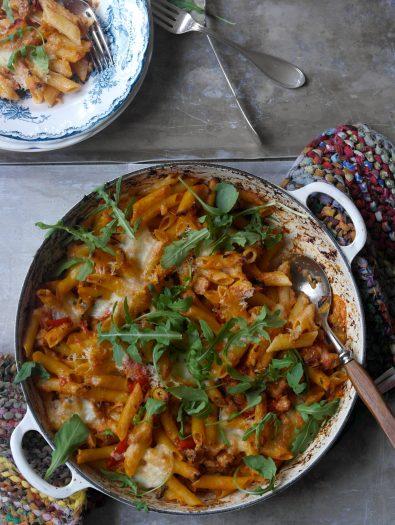 Ovnsbakt pasta med chorizo og ricotta