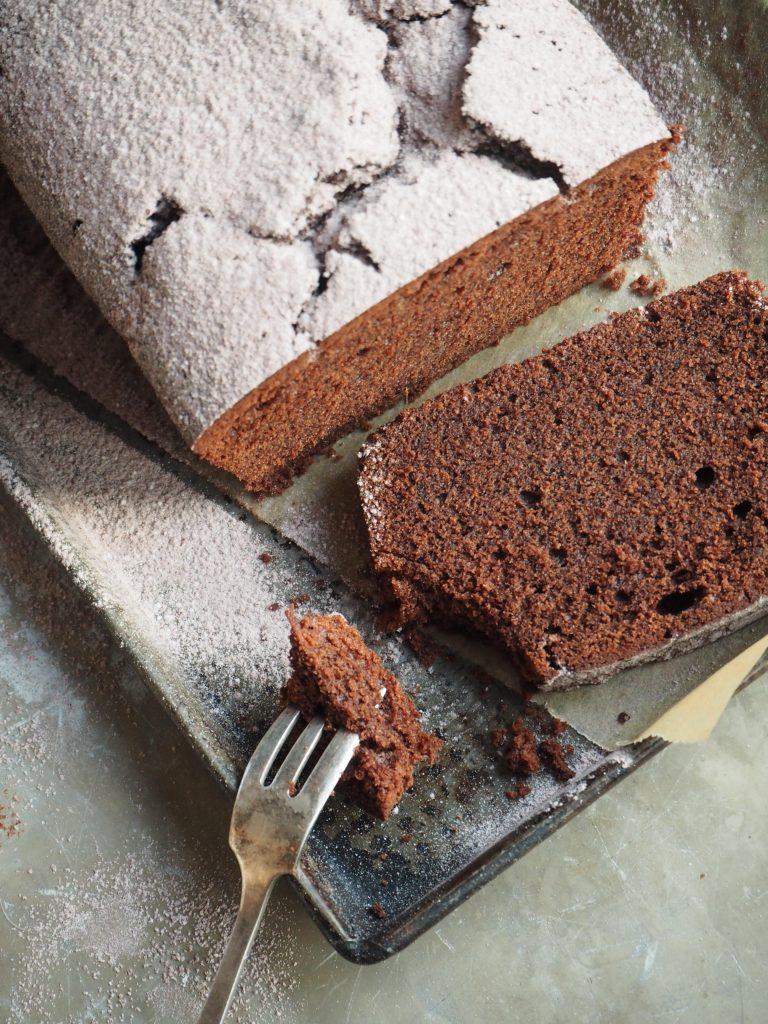 Sjokoladekake med kaffe og kanel