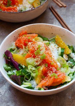 Sashimisalat med laks og appelsin
