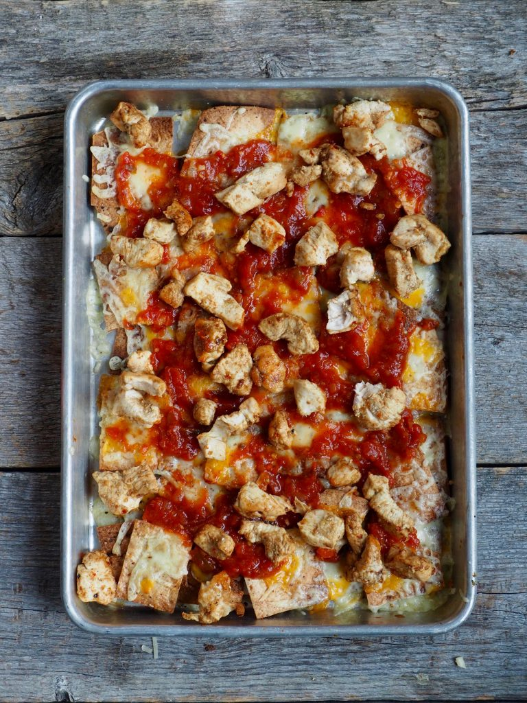Gratinerte nachos med kylling
