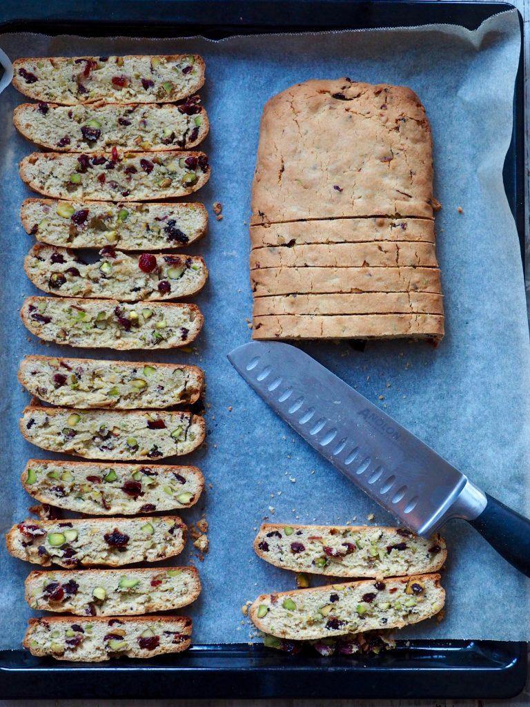 Biscotti med tranebær og pistasjnøtter