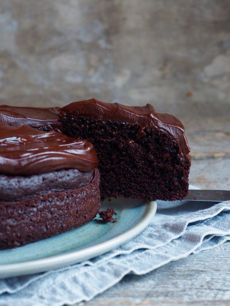 en enkel liten sjokoladekake