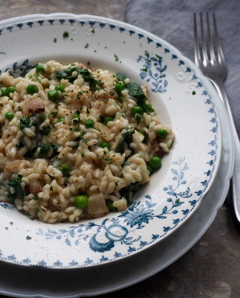 RISOTTO med pancetta, erter og spinat