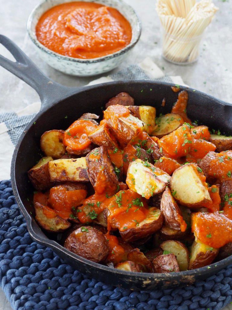 Spanske tapaspoteter (patatas bravas)