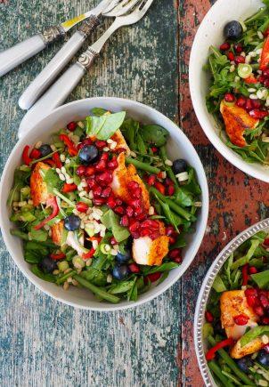 Salat med byggryn og laks