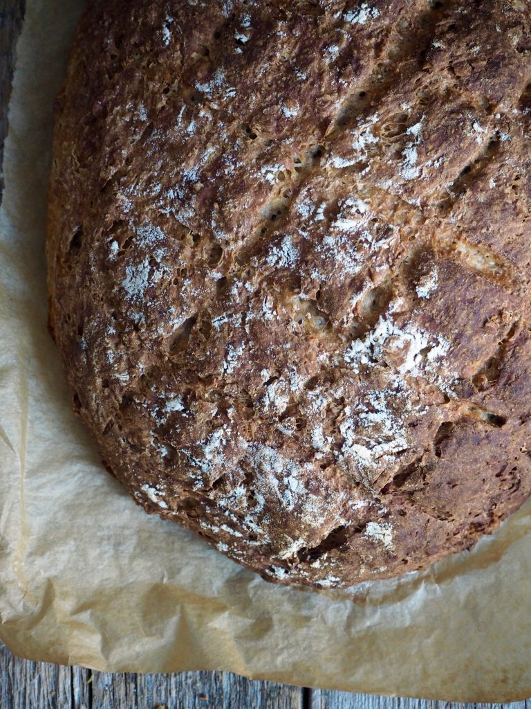 Eltefritt brød med rug og valnøtter