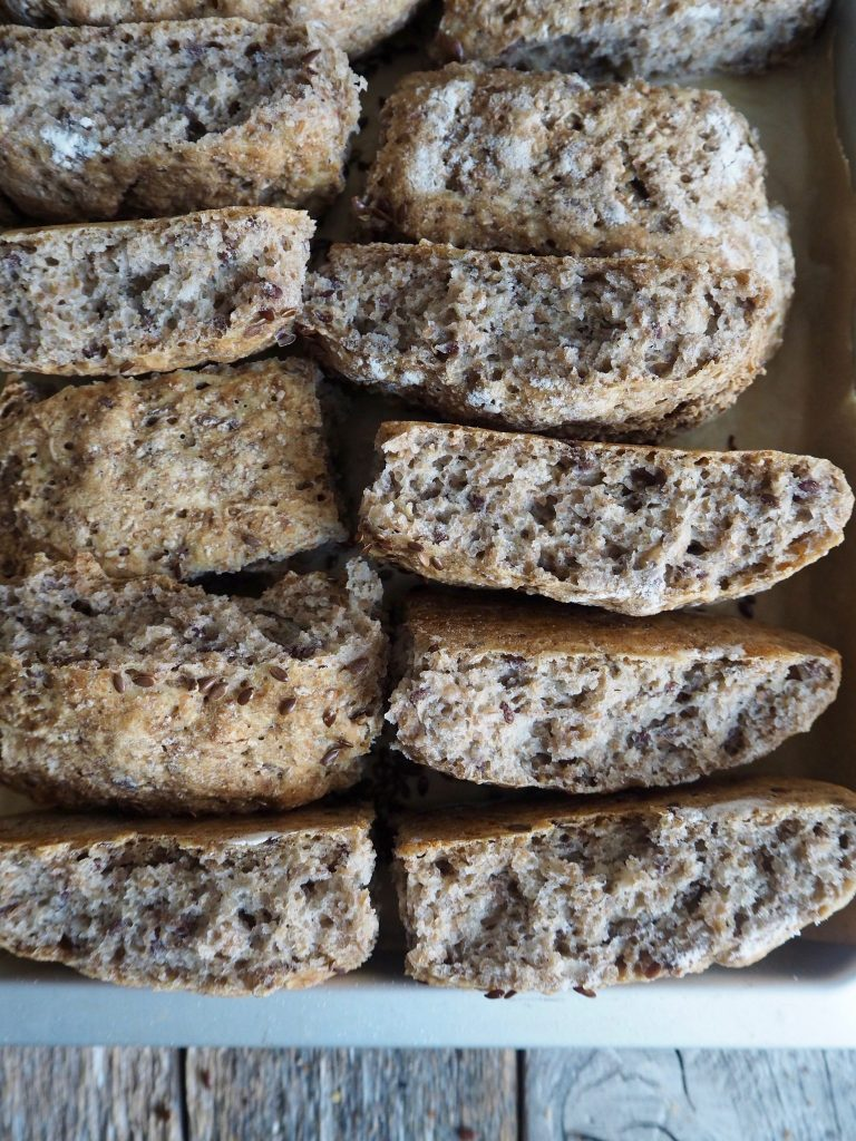 Eltefritt brytebrød med rug og linfrø