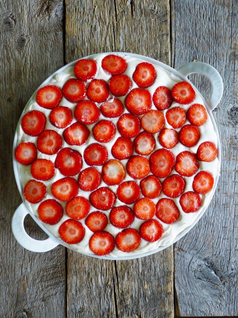 Deilig ostekake med jordbær