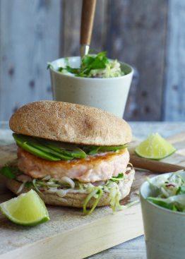 Fiskeburger med enkel kålsalat