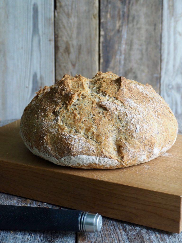 Eltefritt brød med hasselnøtter og havre