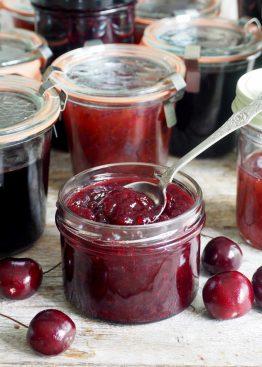 Kirsebærsyltetøy med rips