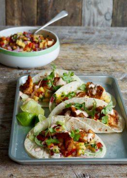 Tacos med spicy scampi og fersken salsa