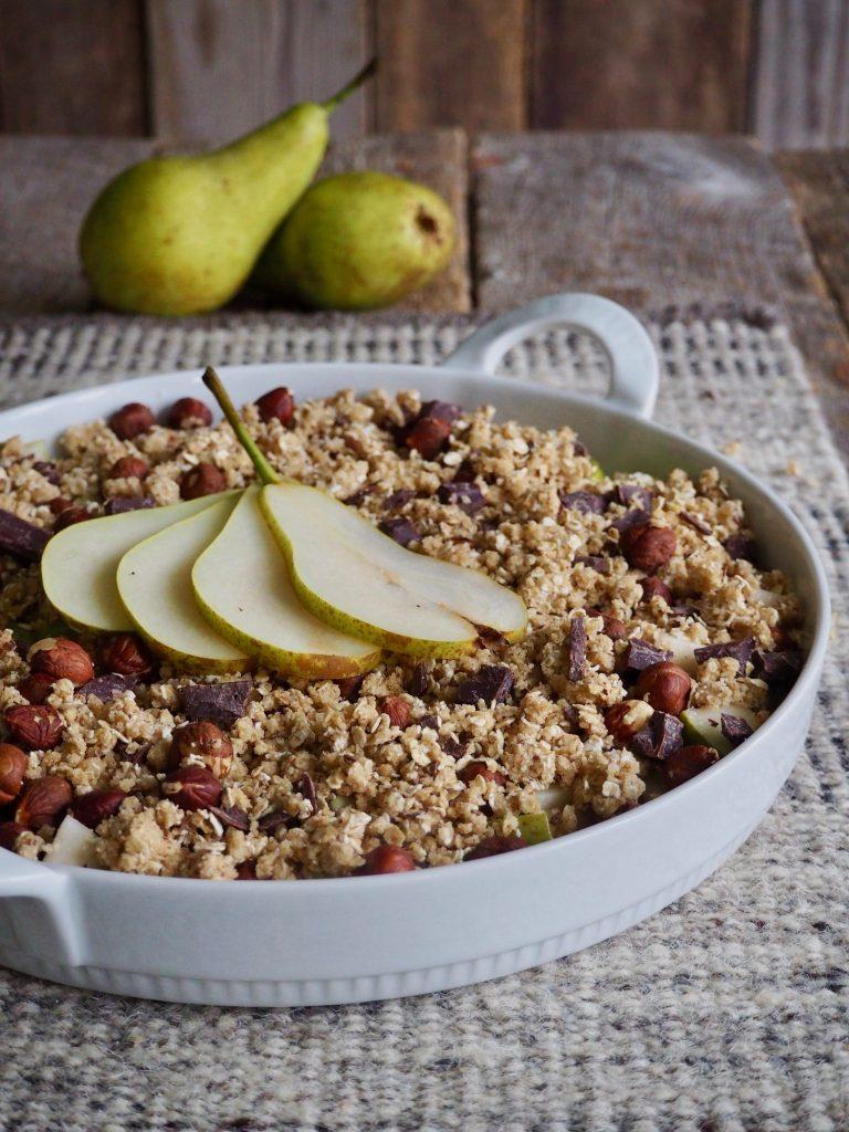 Smudrepai med pære, sjokolade og hasselnøtter