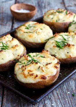 Dobbelbakte poteter med ost og gressløk