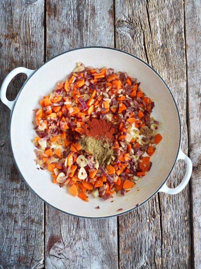 Meksikansk ris med grønnsaker og bønner
