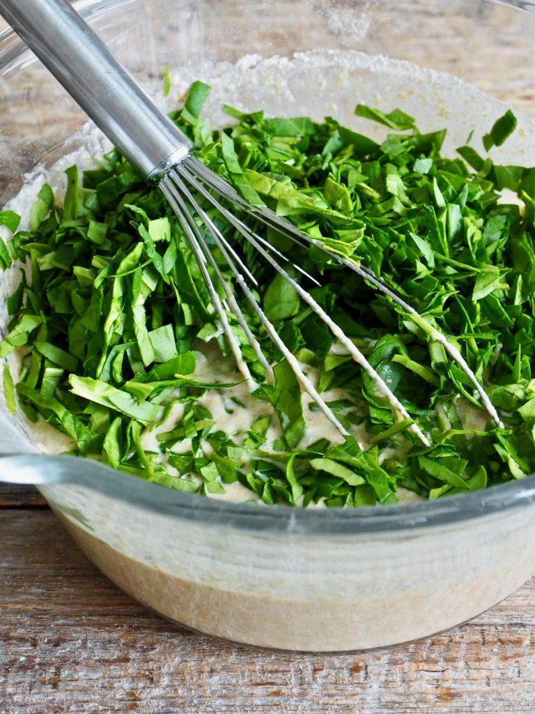 grove vafler med spinat, ost og hvitløk