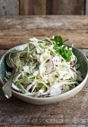 Enkel og rask kålsalat