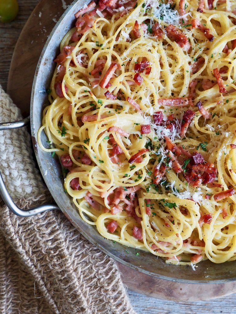 Bakt (jukse) spaghetti carbonara