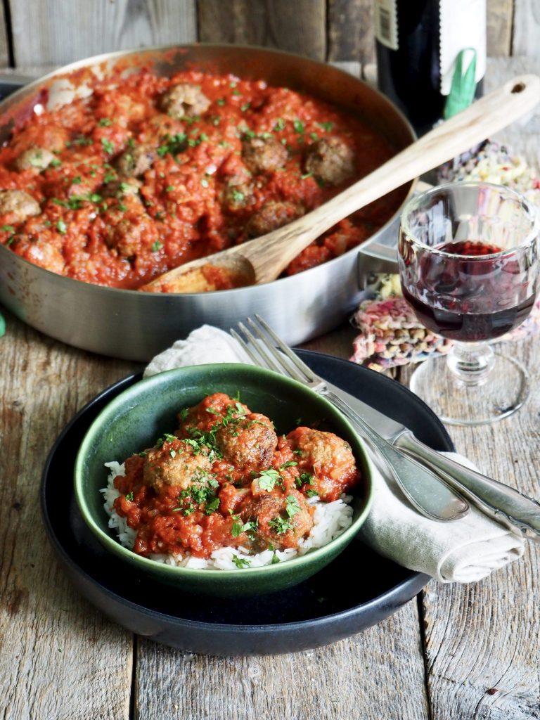 Lammekjøttboller i spicy tomatsaus