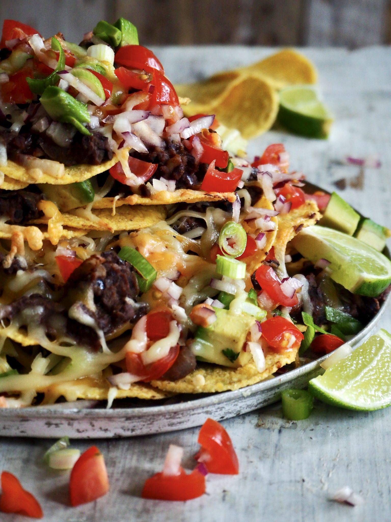 Gratinerte nachos med refried beans