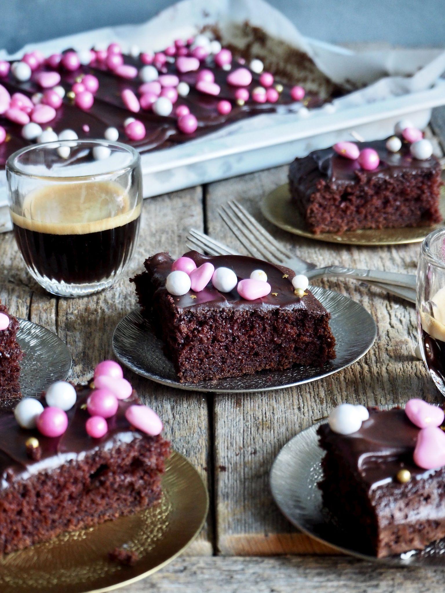 Digg sjokoladekake i langpanne