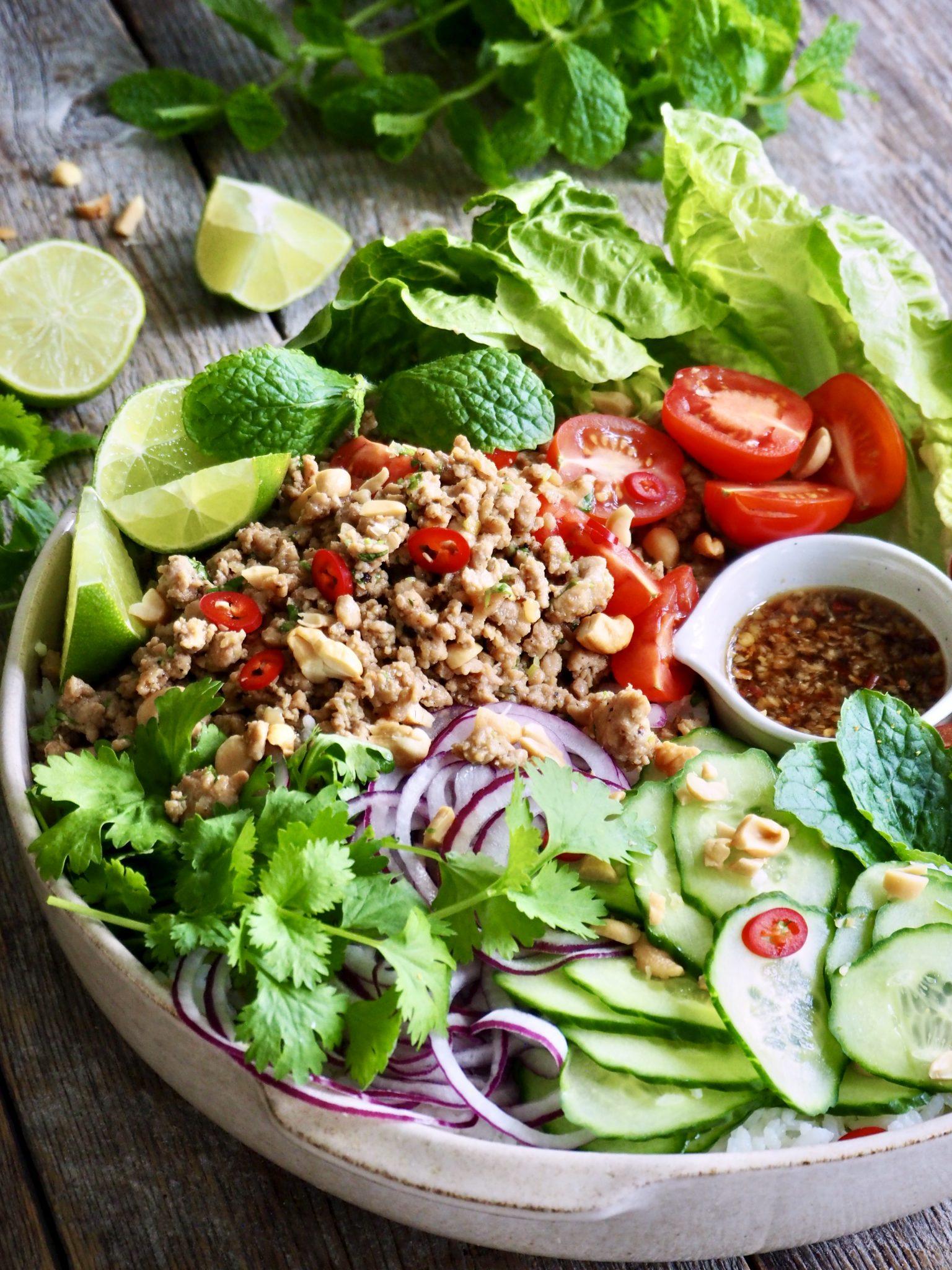 Thai (larb) salat med kylling