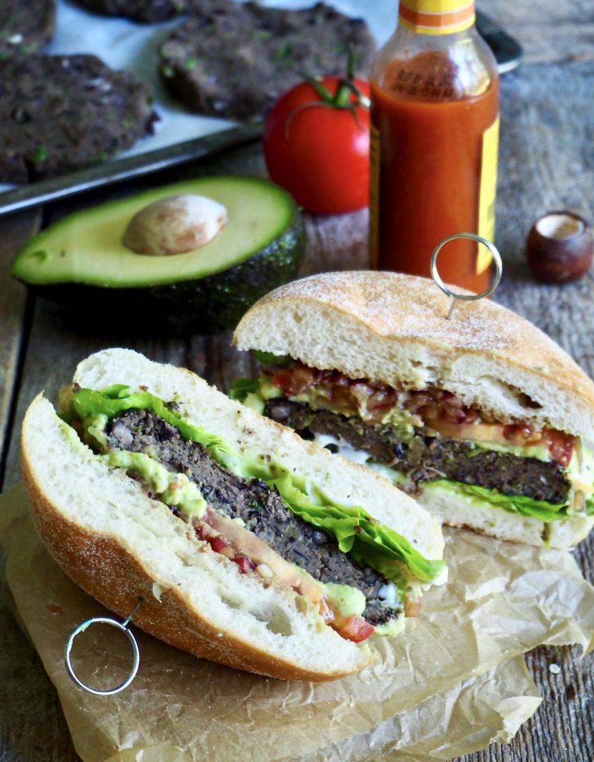 Vegetarburger med svarte bønner