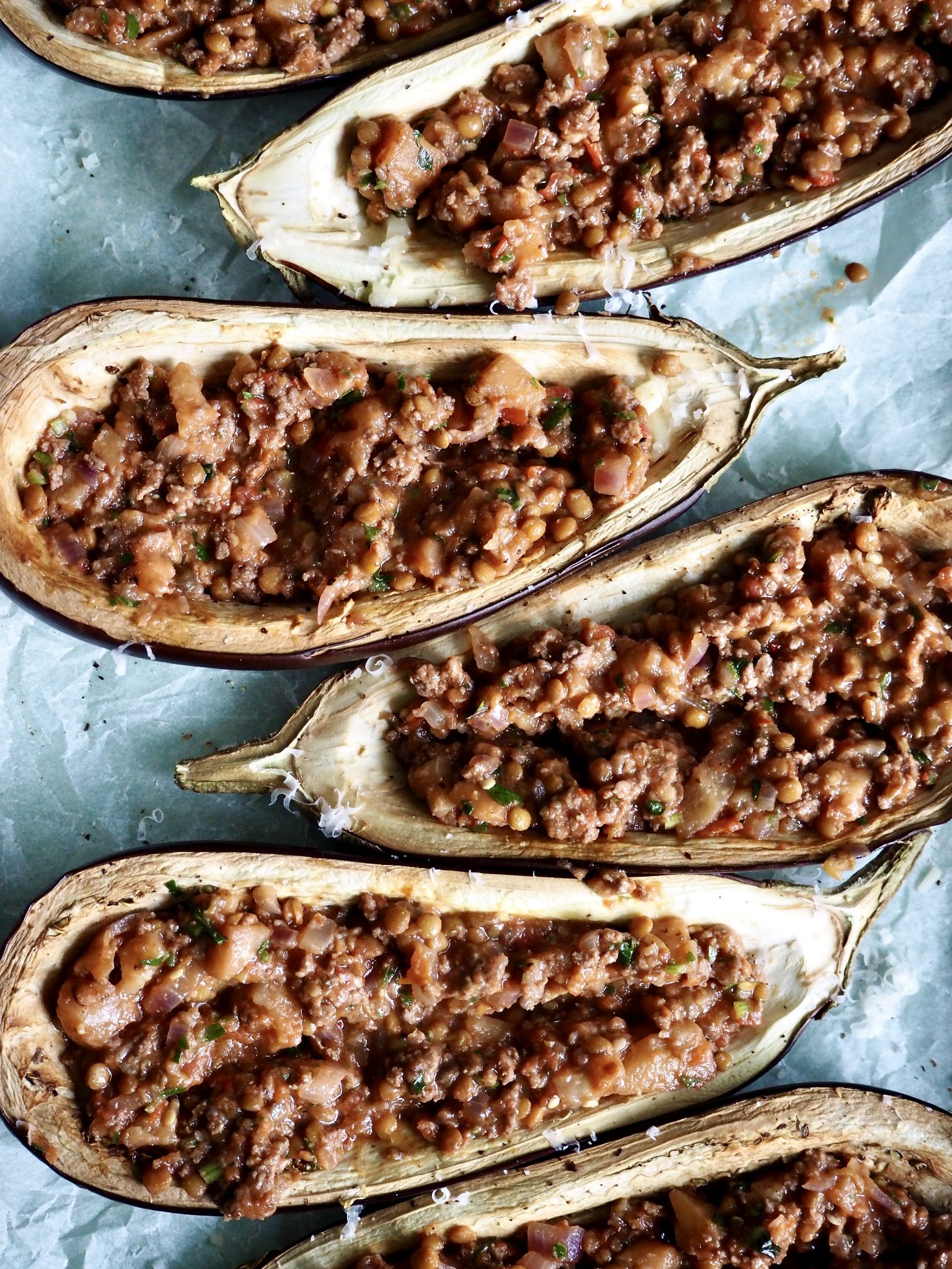 Fylt og gratinert aubergine