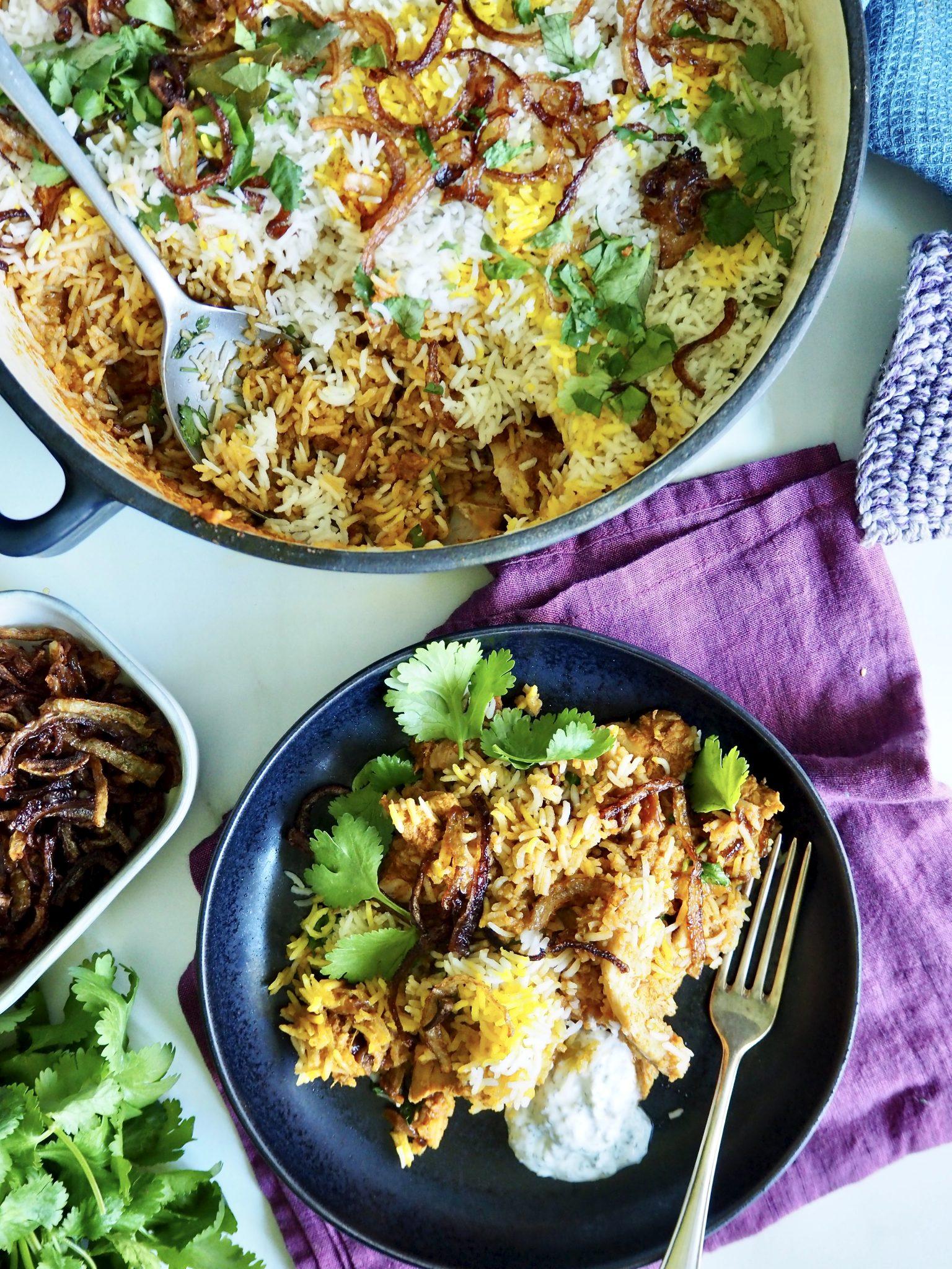 Kylling biryani - en indisk alt-i-en gryte festmåltid!