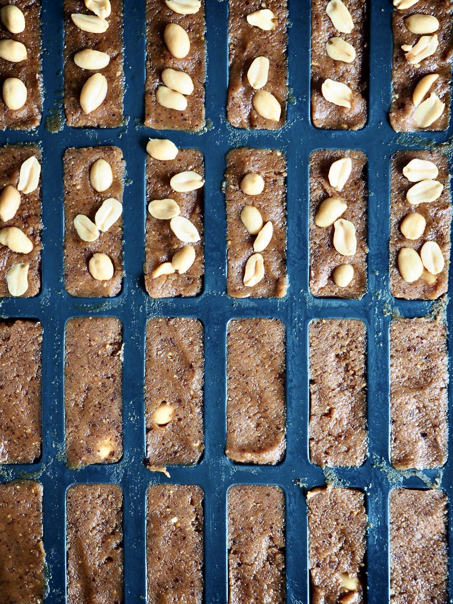 Snickers wannabe -søtt og nesten sunt konfekt