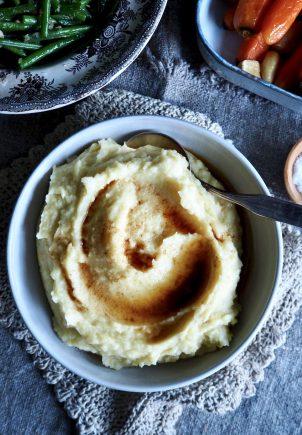 Luksuriøs potetmos med brunet smør