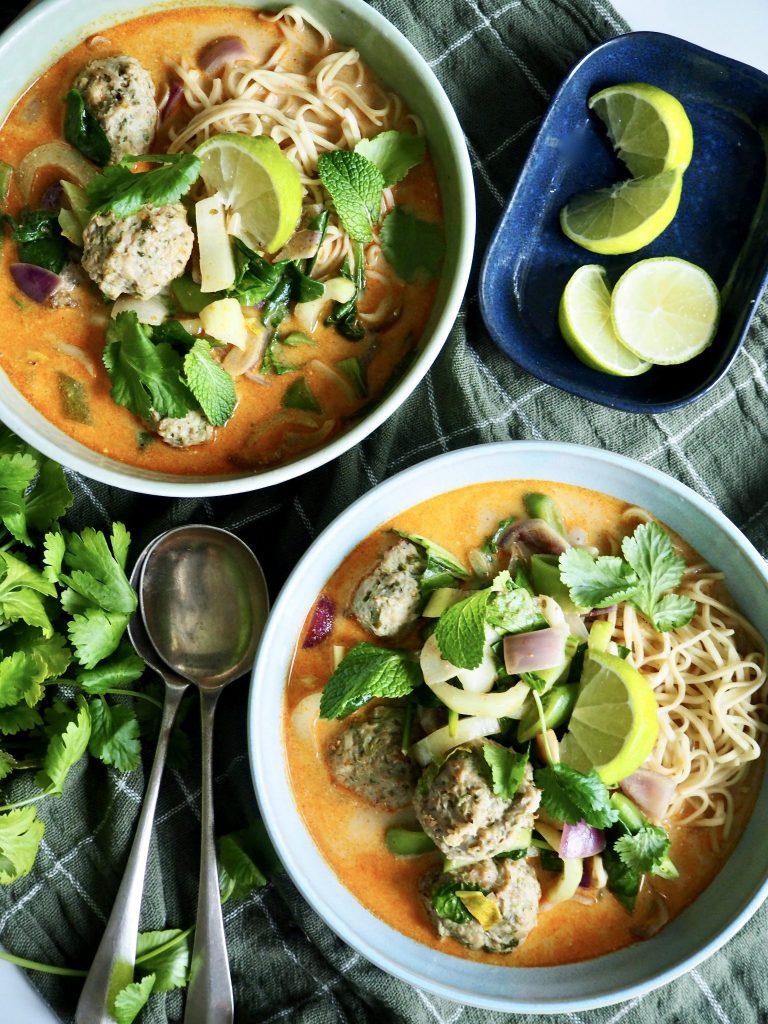 curry med kyllingkjøttboller