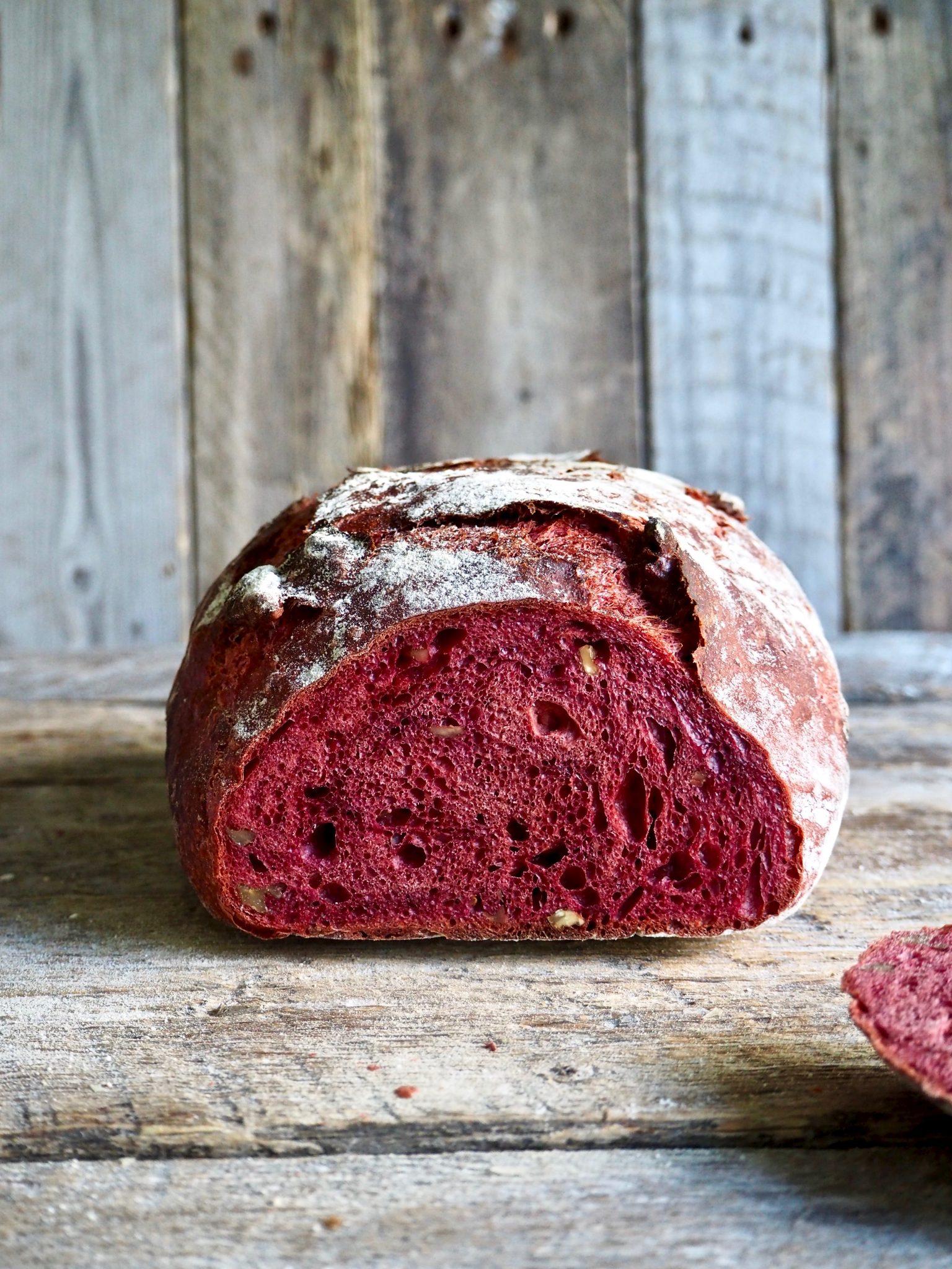 Saftig, eltefritt betebrød med eller uten valnøtter (rødt brød)