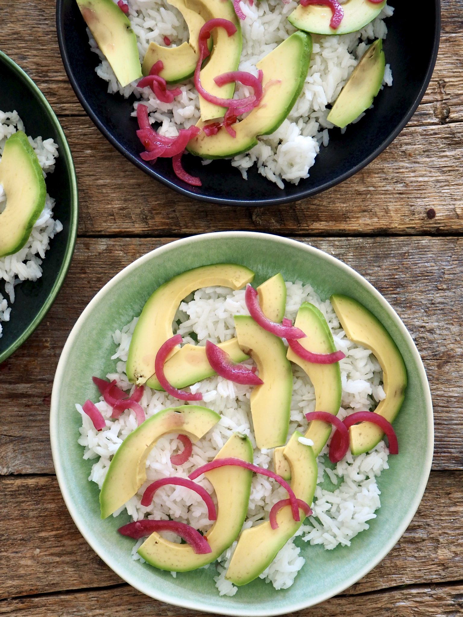 Enkel sashimisalat med laks og ris
