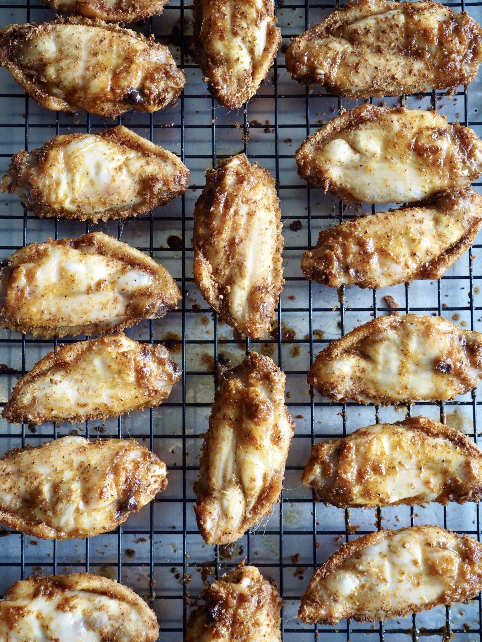 Ovnsbakte, sprøe og saftige kyllingvinger