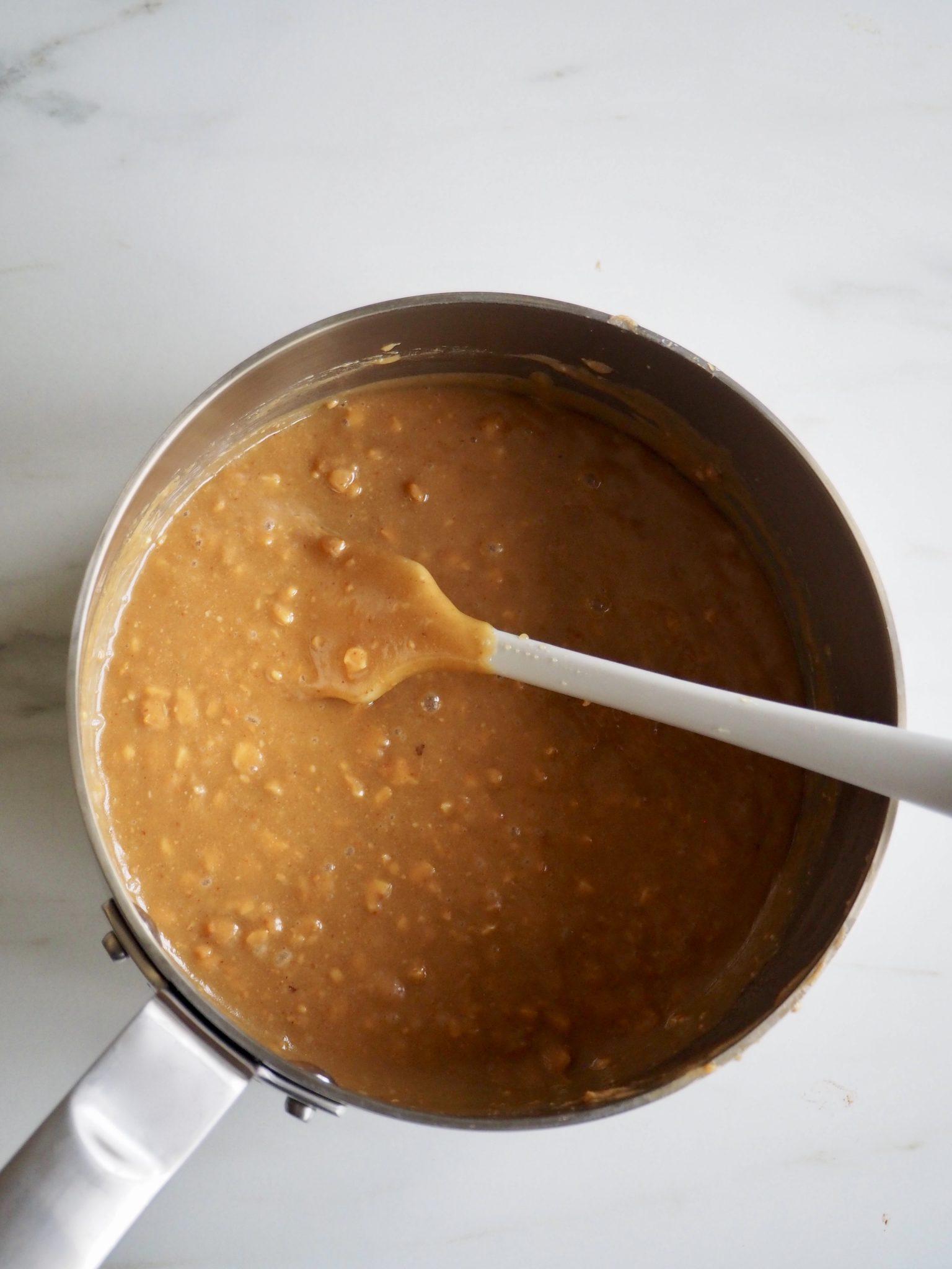 Puffet ris med honning og peanøttsmør - risboller med en vri !